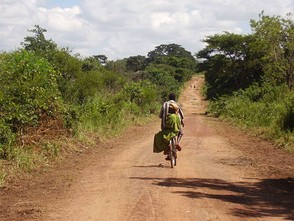 The road between Otuboi and Bata near the Teso/Lango border
