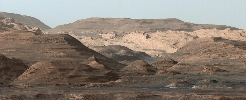 Panorama of the rocky slopes of Mount Sharp (September 9, 2015).