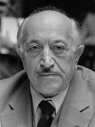 Nazi hunter Simon Wiesenthal, pictured here in 1982, was responsible for hunting down Franz Stangl in Brazil.