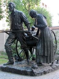 A statue commemorating the Mormon handcart pioneers