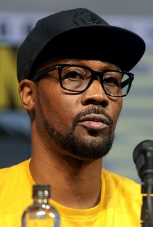 RZA speaking at the 2018 San Diego Comic Con International (cropped).jpg