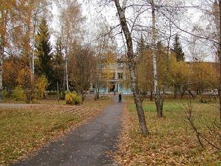 Середина октября в Обнинске (сквер в ограде школы №6)
