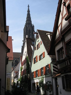 Ulm: View through Rabengasse towards the minster