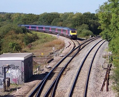 An HST leaving the Cotswold Line at Wolvercot Junction, about 3 miles (5 km) north of Oxford