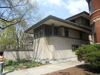 The Robie House on the University of Chicago campus (1909)