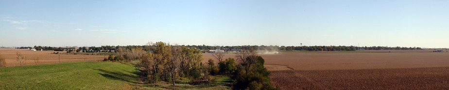 Panoramic view of the town of Minonk as seen from the north during the fall of 2006.