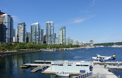 Skyline with seaplane - Vancouver, Canada - DSC09323.JPG