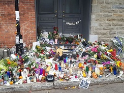 Memorial in front of Cohen's residence in Montreal on November 12, 2016[27]