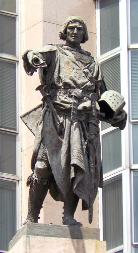 Statue that represents Diego López V de Haro, Lord of Biscay, work of Mariano Benlliure.