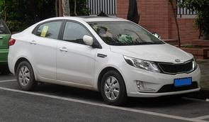 Kia K2 QB sedan 01 China 2012-05-01.jpg
