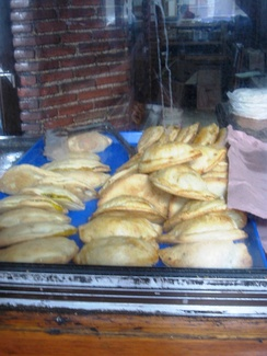 Baked pasties for sale in Pachuca