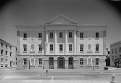 Hoban's Charleston County Courthouse, Charleston, South Carolina, 1790–92, was admired by Washington.