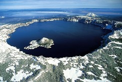 Crater Lake in Oregon, US
