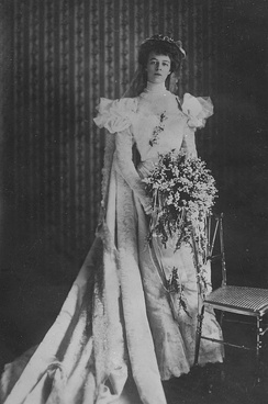Roosevelt in her wedding dress, 1905