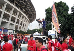 Metro TV at Gelora Bung Karno Stadium, reporting the 2010 AFF Championship