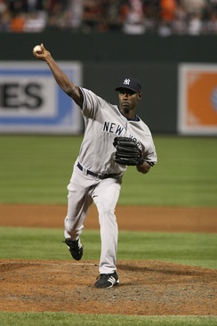 Hawkins pitching for the New York Yankees in 2008