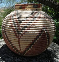 Seri Indian pot-shaped basket (Northern Mexico)