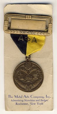Alpha Phi Alpha delegate's pin from the 1940 Pan-Hellenic convention of ΑΚΑ, ΑΦΑ and ΚΑΨ