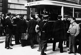 Arrest of Jews by the French police in Paris, August 1941