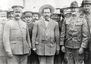 Francisco Madero with his men in 1910