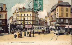 The Place Gambetta: An important hub of the former tram network of Amiens at the beginning of the 20th century.