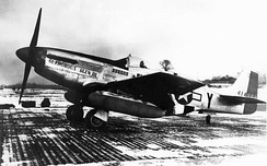 P-51D 44-14888 of the 8th AF/357th FG/363rd FS, named Glamorous Glennis III, is the aircraft in which Chuck Yeager achieved most of his 12.5 kills, including two Me 262s – shown here with twin 108 gallon (409-liter) drop tanks fitted.