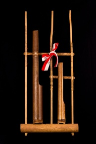 Single pitch angklung, for use in orchestras