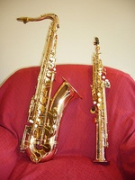 Tenor (left) and soprano saxophones, showing their comparative sizes