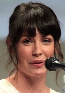 Evangeline Lilly SDCC 2014 (cropped).jpg