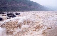 Flooding of the Yellow River posed a serious problem for the Yuan administration, effecting a recentralisation and regulation of power by the end of the decade
