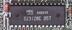 PROM D23128C en la placa base de una Sinclair ZX Spectrum.