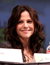 Mary-Louise Parker, Best Actress in a Comedy or Musical Series co-winner