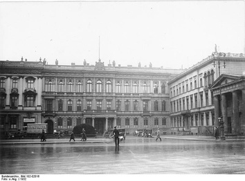 Blücher Palace, the embassy building on Pariser Platz in 1932