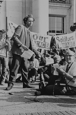 Mario Savio leading a rally on the steps of Sproul Hall in 1966
