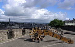 A portion of the city walls of Derry, originally built in 1613–1619 to defend the plantation settlement there.