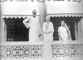 Bacha Khan with Gandhi in 1946.
