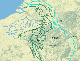 Map showing the Maas (dark green) between the Scheldt (light blue) and the Rhine (cyan) with Tongeren and other cities on the Maas.