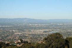 The Santa Clara Valley experiences a Mediterranean climate, with an average of 301 days of sunshine.
