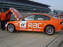 Jelley's 2009-spec BMW 320si at Rockingham.