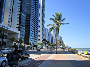 Bicycle path in Boa Viagem Beach.