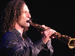 Kenny G, one of the leading smooth jazz artists which emerged in the 1980s
