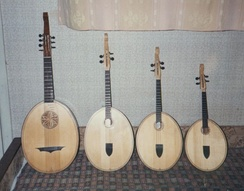 The instruments are made today in prima (soprano), alto and tenor and contrabass sizes