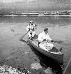 Infantrymen of the Lincoln and Welland Regiment in a canoe, training for the assault on Kapelsche Veer, Netherlands, January 26, 1945