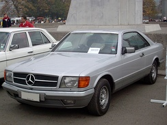 Pre-facelift Mercedes-Benz C126 SEC (coupe)
