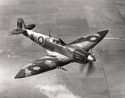 "Spitfire HF Mk VII: The shape of the ellipse was altered by the extended ""pointed"" wing tips used by the high-altitude Mk VIs, VIIs, and early Mk VIIIs."