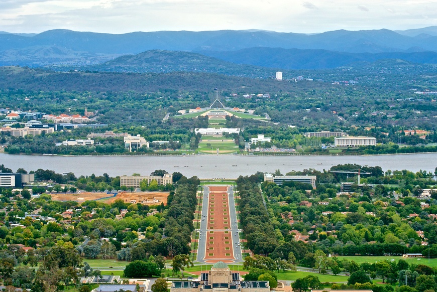 Canberra viewed from Mount Ainslie.jpg