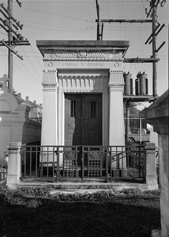 Grailhe Family Tomb, as seen in 1965