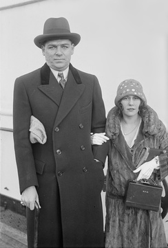 Hammerstein with his first wife, Myra Finn, photographed aboard a ship