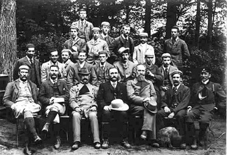 Schlich, in the middle of the seated row, with students from the forestry school at Oxford, on a visit to the forests of Saxony in the year 1892.