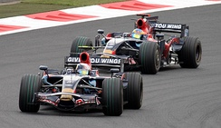 Sebastian Vettel leads Sébastien Bourdais at the 2008 Japanese Grand Prix.
